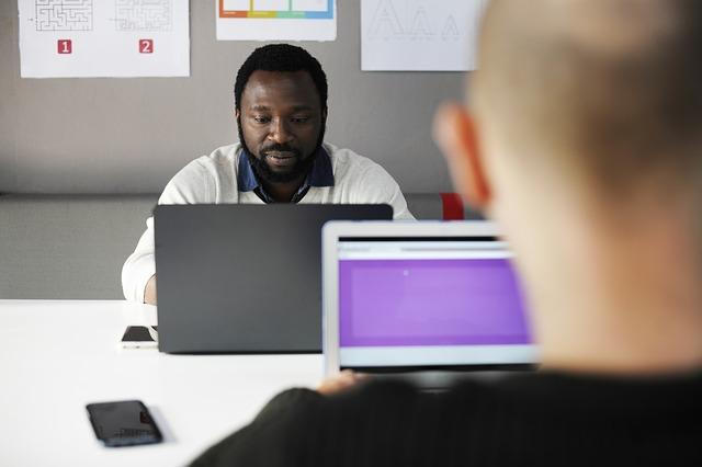 Słuchawki do pracy w call center – które najlepsze?